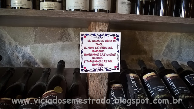 Adega da Vinícola La Cantina