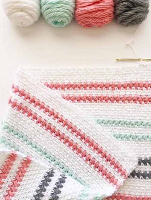 Crochet Moss & Puff Stitch Baby Blanket - Free Pattern