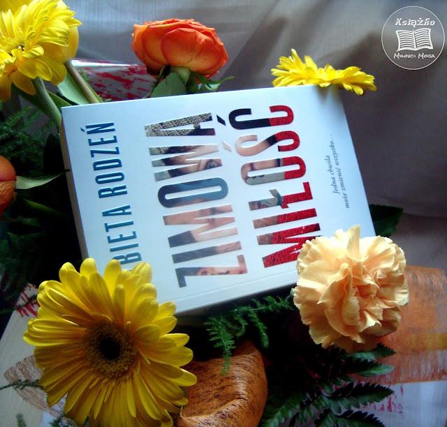Zimowa miłość, Zimowa miłość Elżbieta Rodzeń, Zima, miłość, miłość i zima, książka, zysk i ska, książka polska, polska książka, polska autorka, książka dla dojrzałych i młodych, książka dla każdego, książka o miłości, najlepsza książka o miłości, polska książka o miłości, polska miłość, śnieg, zima, zimna miłość, zakochanie się, kochanie, Michał, Anka, Anka i Michał, samotny ojciec, wydawnictwo zysk i ska, o miłości, o przyjaźni, o lekarzach, książka o lekarzach, chirurg plastyczny, plastyka, chirurgia plastyczna, laryngolog, książka o laryngologu, laryngologi i chirurg plastyczny, studenci, pierwsza miłość, studencka miłość, miłość na studiach, zakochani studenci, młodzi zakochani, zakochani zapomnieli świat, kochanie najważniejsze na świecie, miłość to wartość, wartość najważniejsza, przyjaźń najważniejsza, miłość najważniejsza, dzieci najważniejsze, dzieci, miłość, przyjaźń, oddanie, para na okładce, napis na okładce, font, font na okładce, egzemplarz recenzencki, sztukater, współprace ze sztukater.pl, współpraca recenzencka, sztukater współpraca, książka ze współpracy.