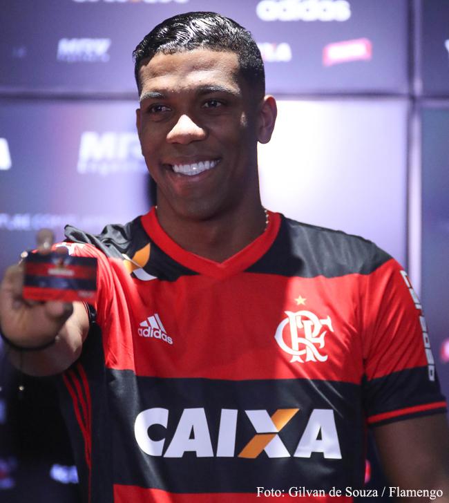 af129016cf Flamengo e seus jogos  Campeão da Libertadores pelo Atlético ...