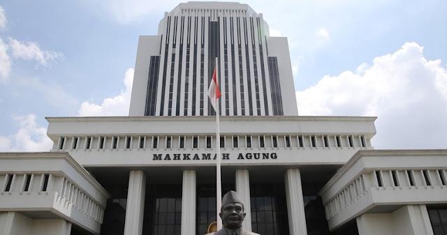 MA Cabut Kewenangan Pemerintah Tentukan Kelulusan Calon Notaris