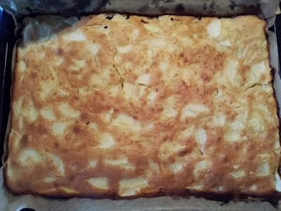 Blechkuchen, Blechkuchen mit Apfel