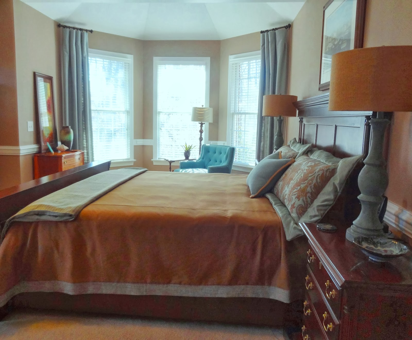 How Many Throw Pillows On The Bed 7 Must Read Tips To