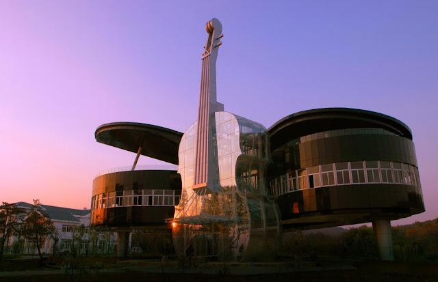 https://i2.wp.com/3.bp.blogspot.com/-KMei8oZ1wsM/UK1YwVR9LmI/AAAAAAAABpA/hiQ_mg3h9Hc/s640/The+Piano+House,+Huainan,+China.jpg