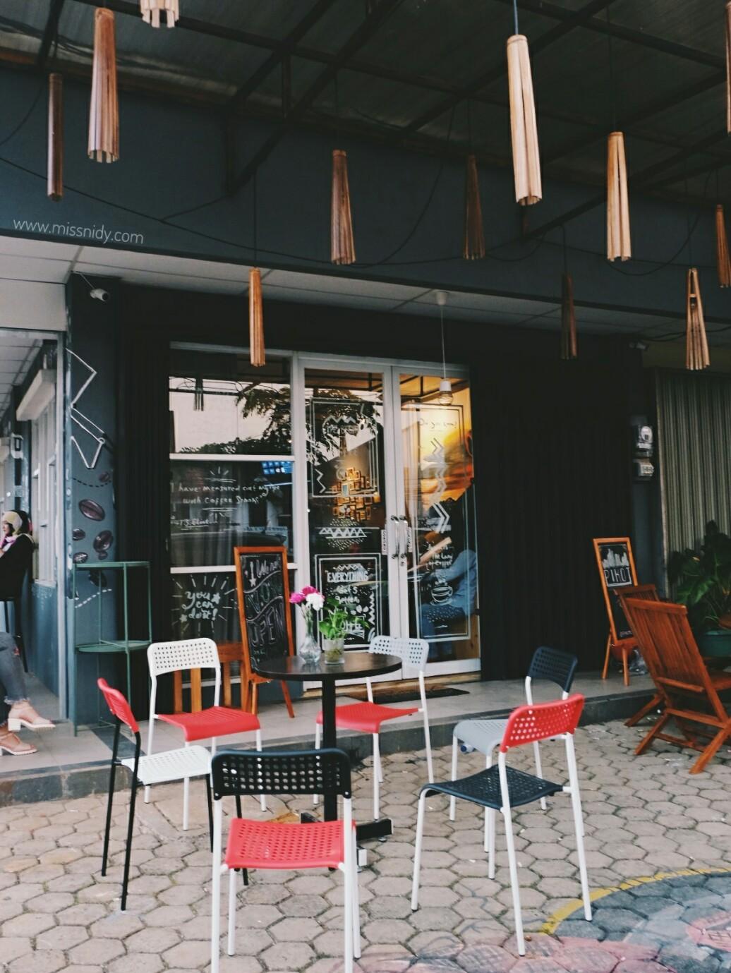 pikot coffee cibubur