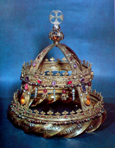 Official And Historic Crowns Of World Locations