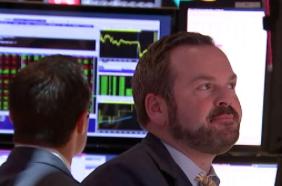 Investors pull billions from US stocks in longest outflow streak since 2004