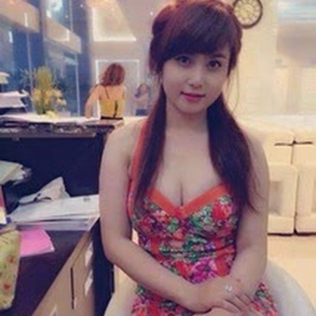 Percintaan Seks Tante Indah Si Pemilik Salon