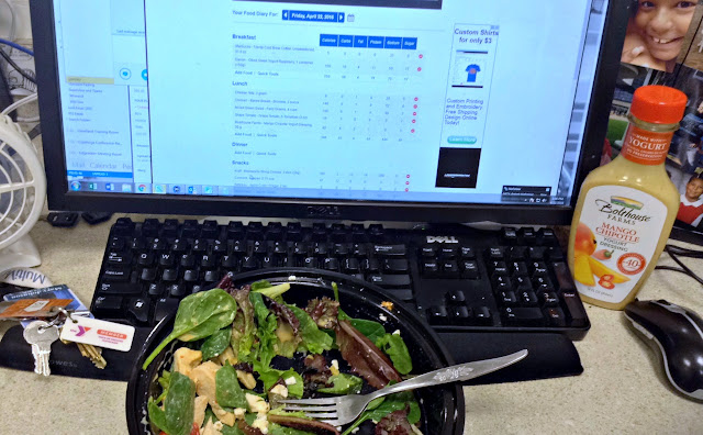 Lunch time workout means eating at my desk