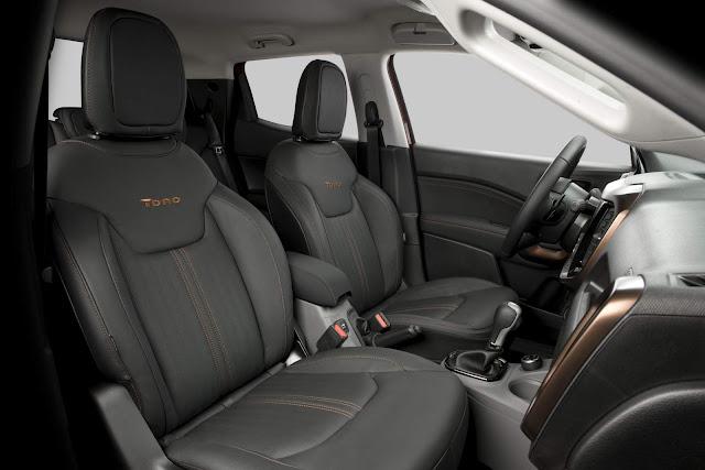 Fiat Toro 2.0 Turbo Diesel 4x4 Volcano - interior