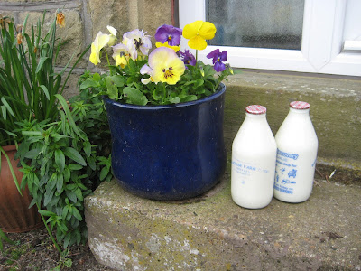 milk bottles doorstep delivery