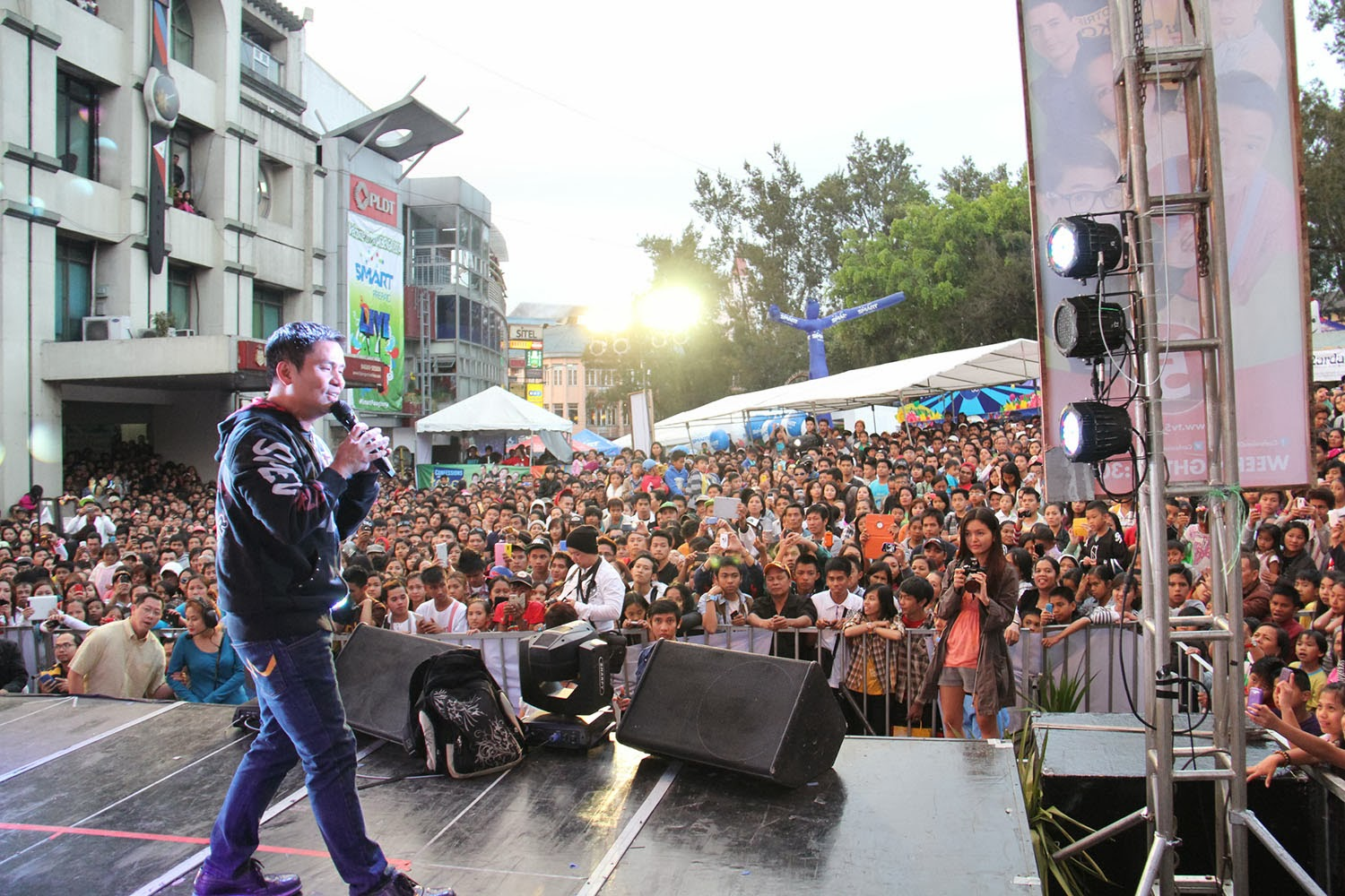 TV5 closes 2014 Panagbenga Festival with hottest Kapatid