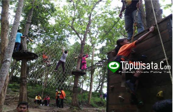 Wall Climbing - Jemur Adventure Park - Wisata Outbond Adventure Terlengkap Di Kebumen