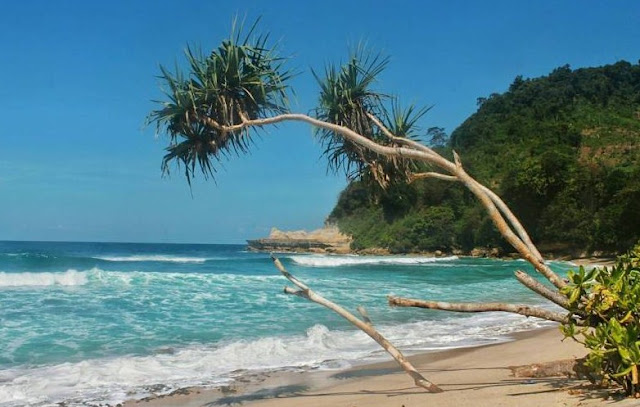 Object wisata Pantai Sanggar