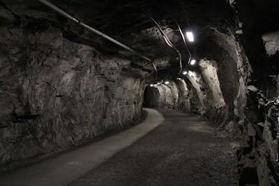 http://www.halfwayanywhere.com/europe/sweden/the-kiruna-mine-tour-please-let-it-collapse-on-us/