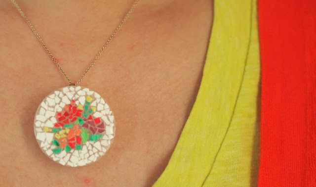 make yourself an eggshell mosaic pendant- great kids craft!