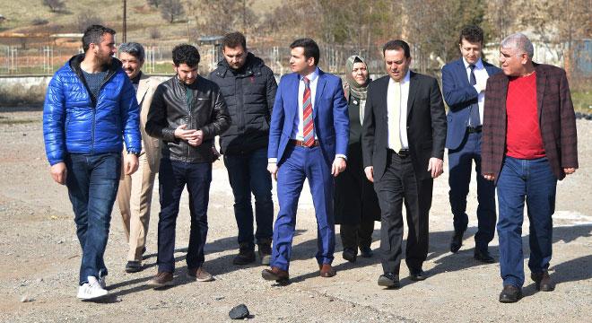 Diyarbakır Büyükşehir Belediyesi Genel Sekreteri Hazro'da incelemelerde bulundu