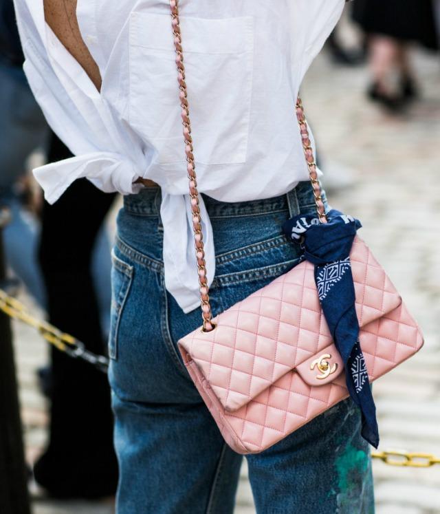 Looks com bolsa cor de rosa