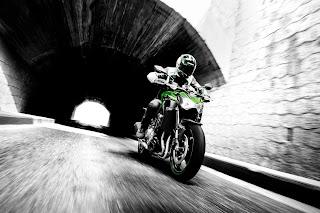Kawasaki-Z900-A2-verde