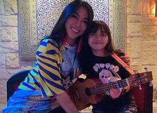 Alyssa Dezek dan Nayunda