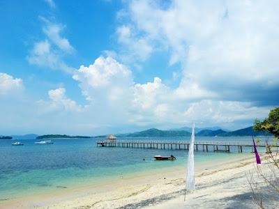 Pantai di Sekotong