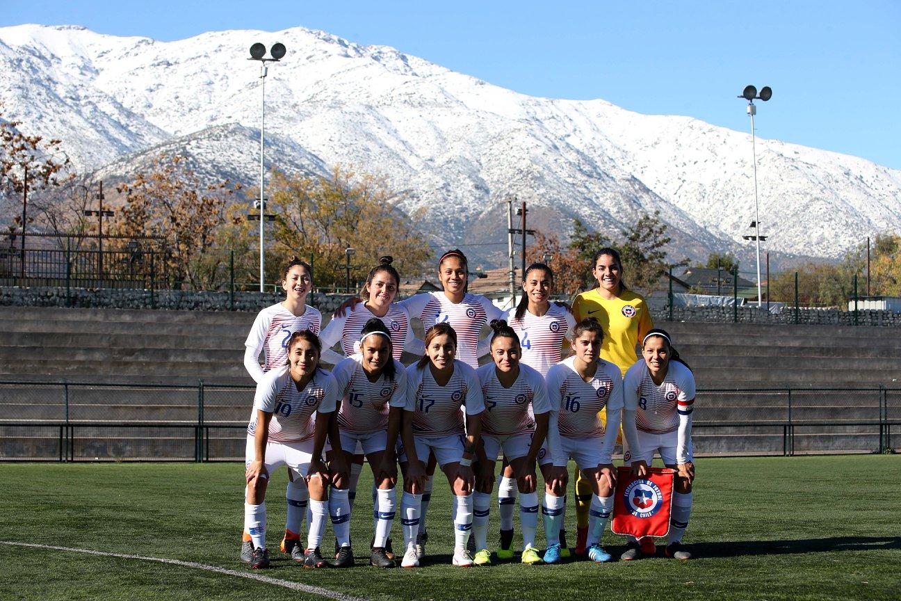 Formación de selección femenina de Chile ante Costa Rica, amistoso disputado el 12 de junio de 2018