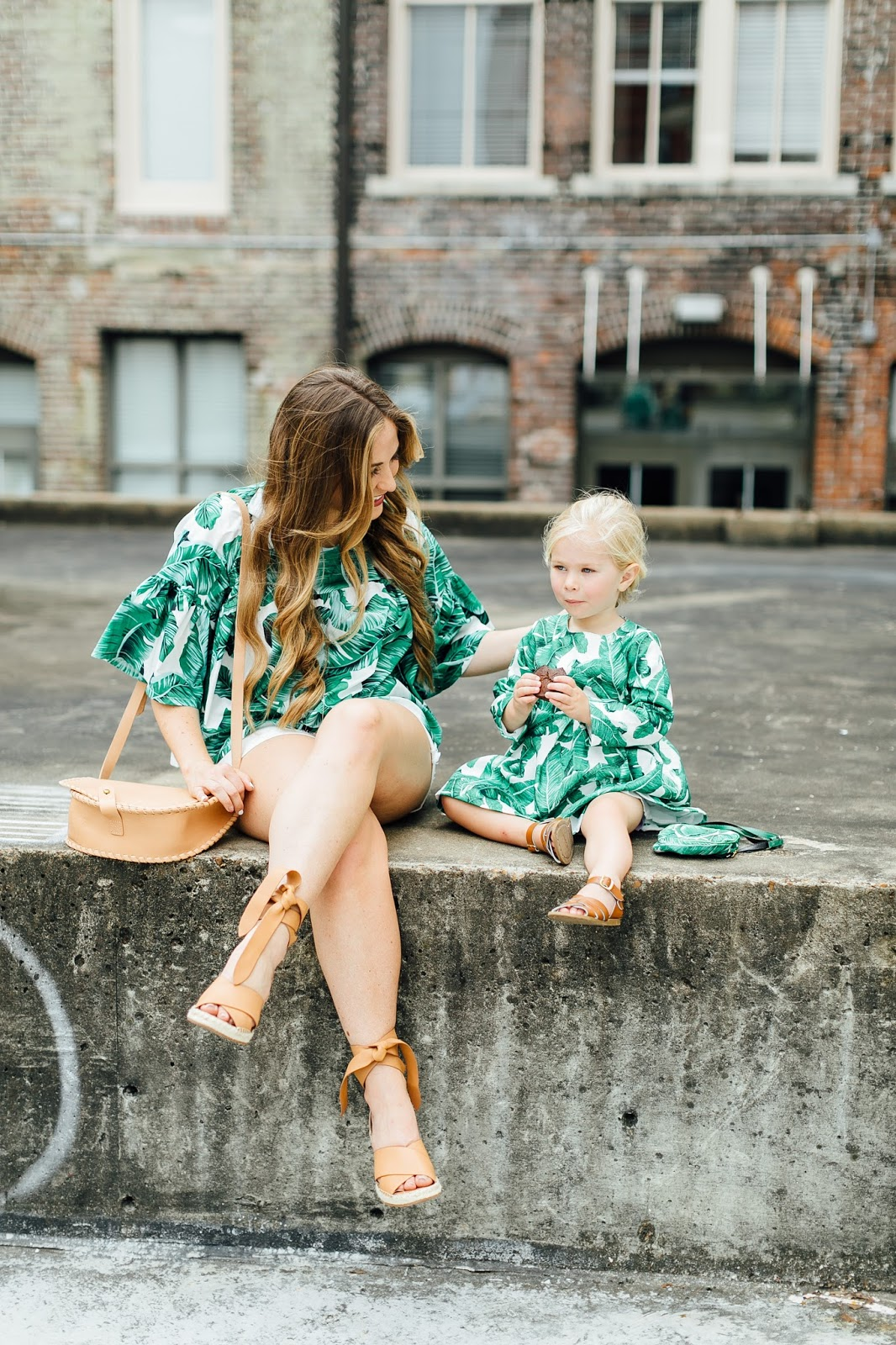 The Perfect On the Go Snacks for Picky Eaters - 5 Tips to Help Your Toddler Eat More Veggies by popular blogger Walking in Memphis in High Heels