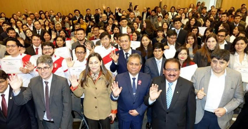«Beca Presidente de la República» lleva a 150 peruanos a las mejores universidades del mundo - MINEDU - www.minedu.gob.pe
