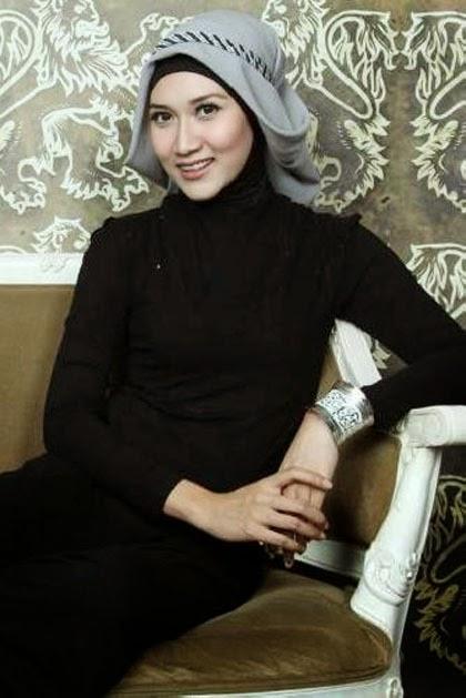 Hijab Style: Gaya Feminin 5 Peserta Hijab Hunt 2014