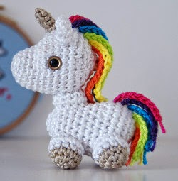 Free Crochet Unicorn Pattern - thefriendlyredfox.com | 255x250