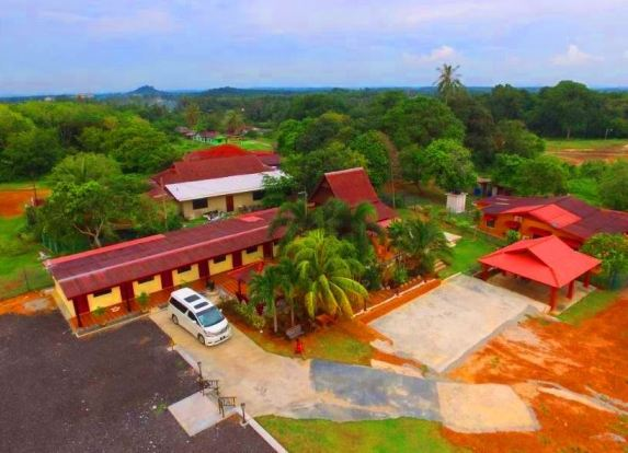 Laman Guest House Pengkalan Balak Melaka.