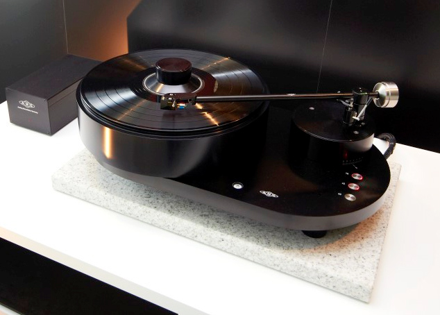 The $16500 AMG Viella 12 Turntable is For Serious Audiophiles