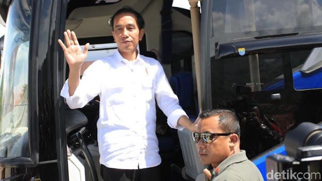 Jokowi Jajal Tol dari Surabaya Hingga Semarang Naik Damri