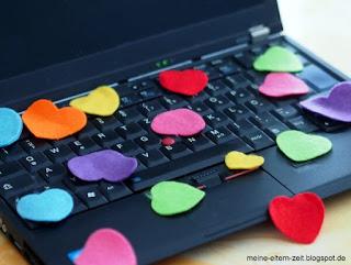 Laptop mit Herzen