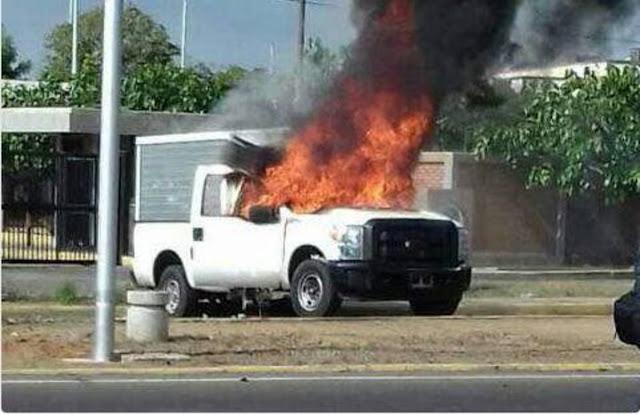 Así quedó la camioneta quemada en Zulia tras arrollamiento de estudiante