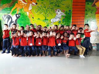 Over 700 children of migrant labourers get a new school from volunteers employed by the Adani Group