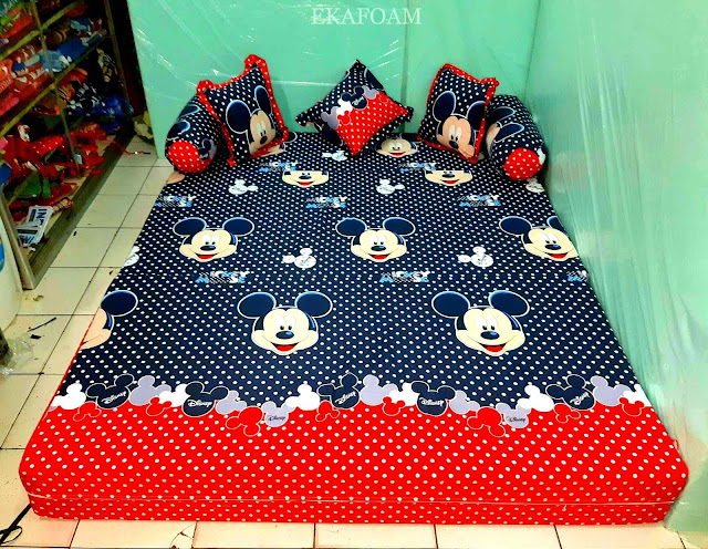 Sofa bed inoac motif mickey mouse warna navy