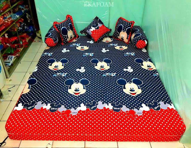 Sofa bed inoac motif mickey mouse warna navy