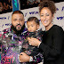 DJ Khaled, Nicole Tuck e Asahd Khaled marcam presença no MTV Video Music Awards 2017 no The Forum em Inglewood, Califórnia - 27/08/2017