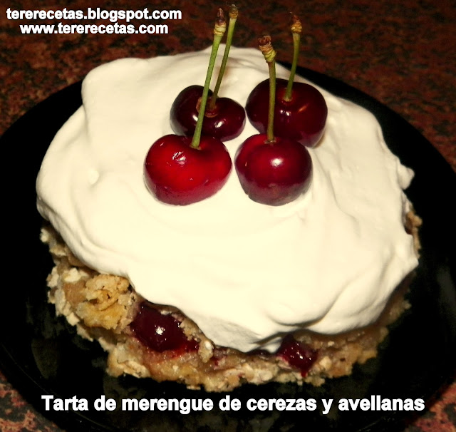 tarta-de-merengue-cerezas-y-avellanas-01-01