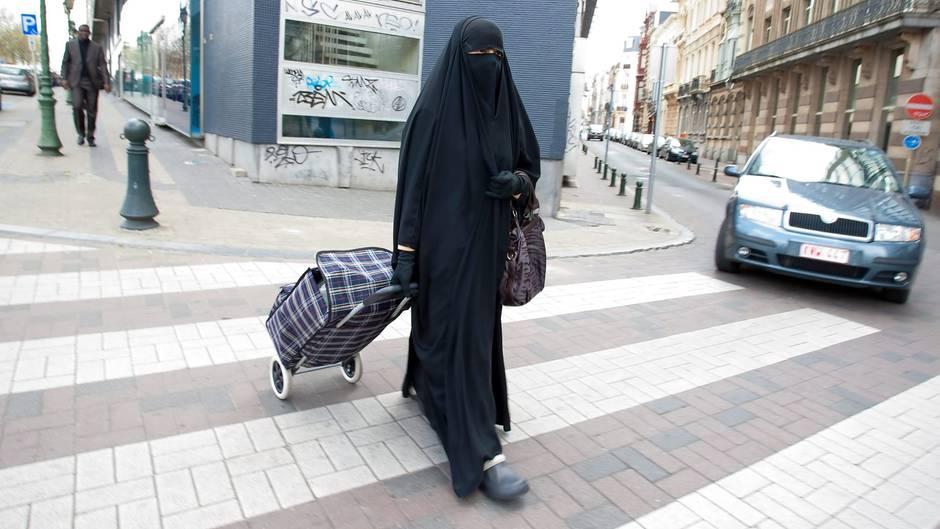 Τι θα ζητούσε ένα μουσουλμανικό κόμμα στην Ελλάδα – Το ρεπορτάζ που χτυπά «καμπανάκι» κινδύνου για όλους μας (ΒΙΝΤΕΟ)