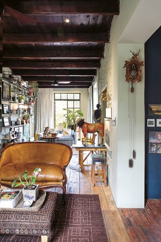 Safari Fusion blog | Modern bohemian | Layers of textiles, plants, books, objects and art in a Cape Winelands cottage, Pniel / South Africa