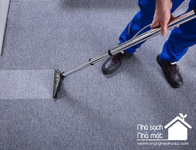 giặt thảm là một trong các dịch vụ vệ sinh công nghiệp Thủ Đức