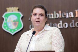 Deputada quer frente na Assembleia Legislativa para beatificação de Padre Cícero