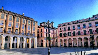 Plaza Luis López Allué (Huesca)