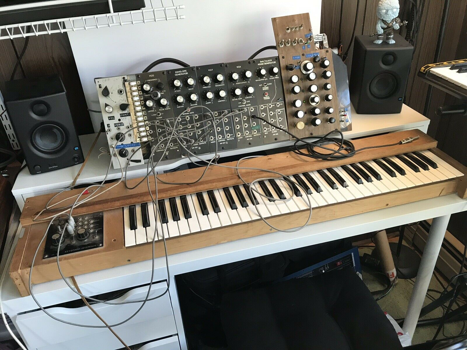 matrixsynth vintage aries 300 series modular synthesizer with 61 key control keyboard. Black Bedroom Furniture Sets. Home Design Ideas