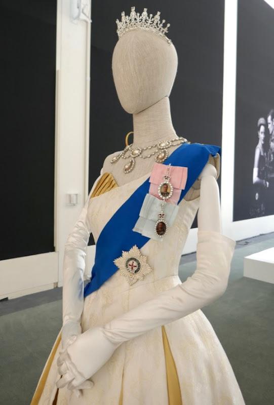 Queen Elizabeth II costume Crown season 2