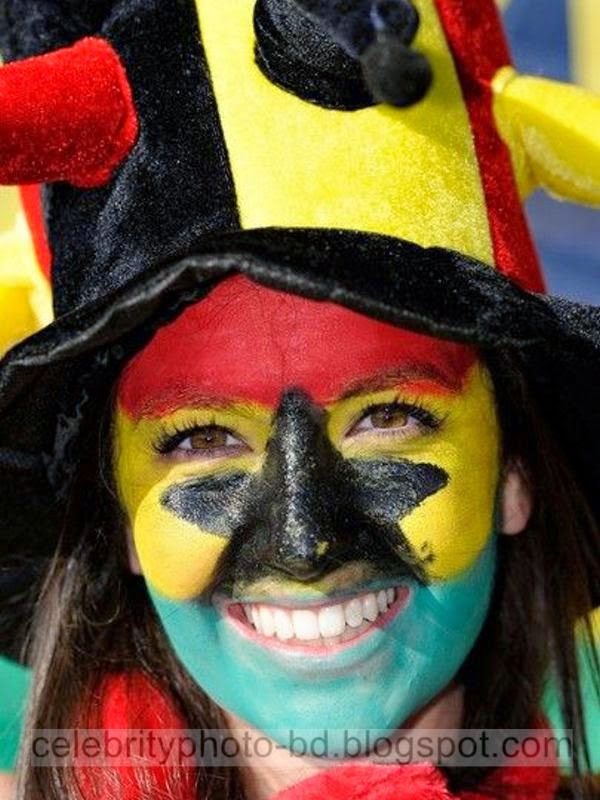 Top Sexy And Hot Fans Photos In World Cup 2010