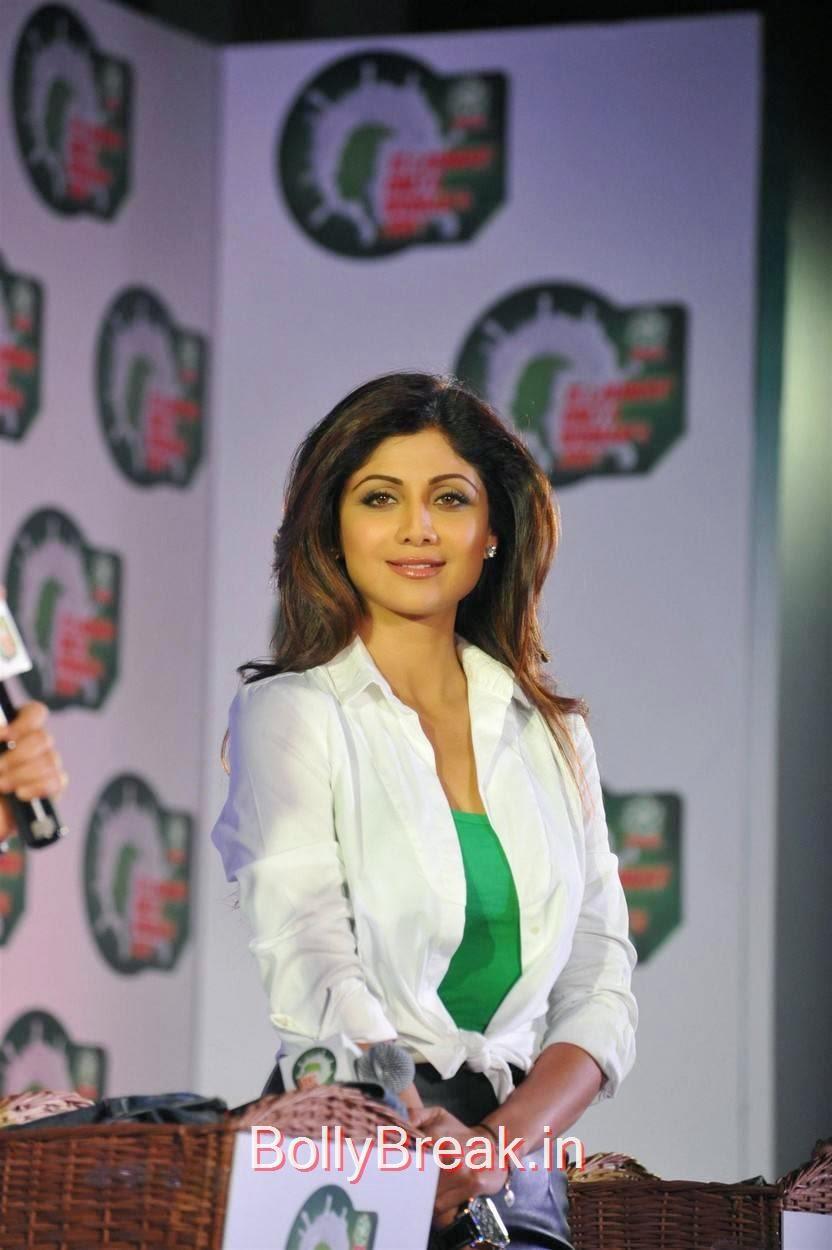 Shilpa Shetty Pics, Shilpa Shetty Hot Pics in Skirt  At Ariel Promotional Event National Survey