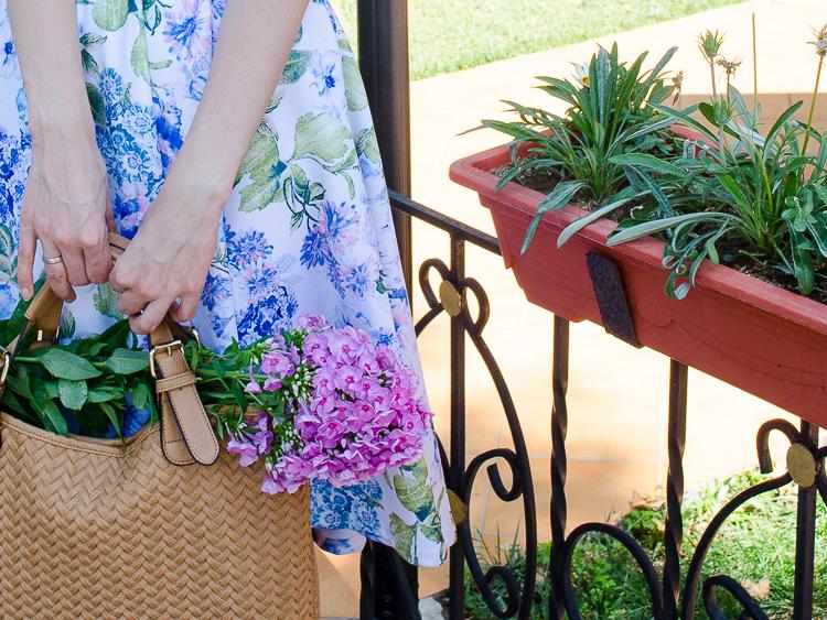 diyorasnotes floral midi skirt asos blue top 18 - LOOK OF THE DAY: FLORAL PRINT MIDI SKIRT